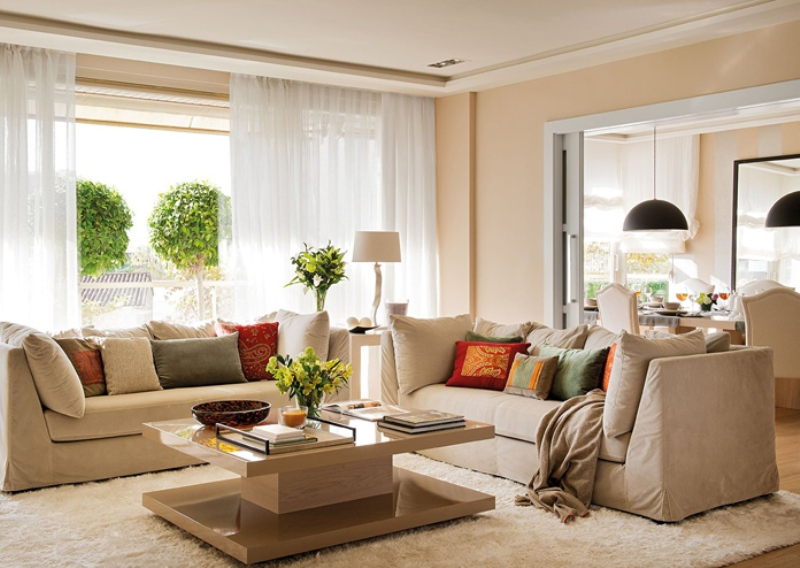 Бежевый цвет в дизайне интерьера гостиной. Яркие акценты или спокойная классика?