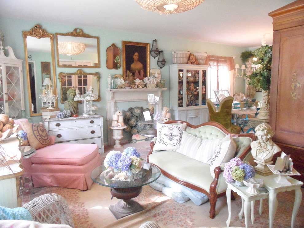 Awesome-Shabby-Chic-Design-ideas-for-delightful-Living-Room-Eclectic-design-ideas-with-French-French-country-Garden-Decor-garden-urn-living-room-mirrors-romantic-romantic