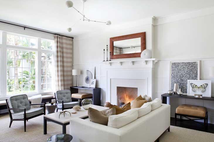 Угловой диван в красивой гостиной фото